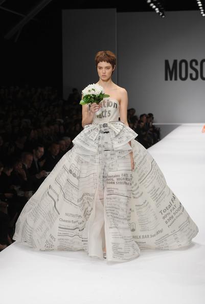 Moschino svatební šaty